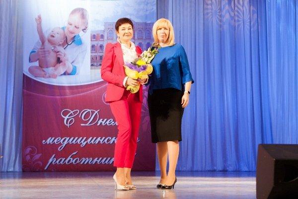 Анна Минькова поздравила работников медицинской сферы с профессиональным праздником